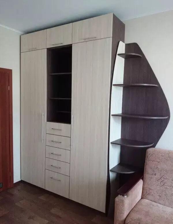 Шкаф в детскую на заказ
