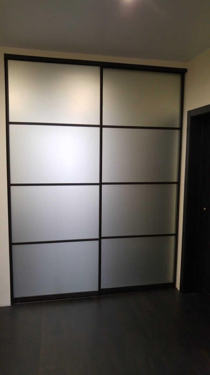 Встроенный шкаф на 2 двери