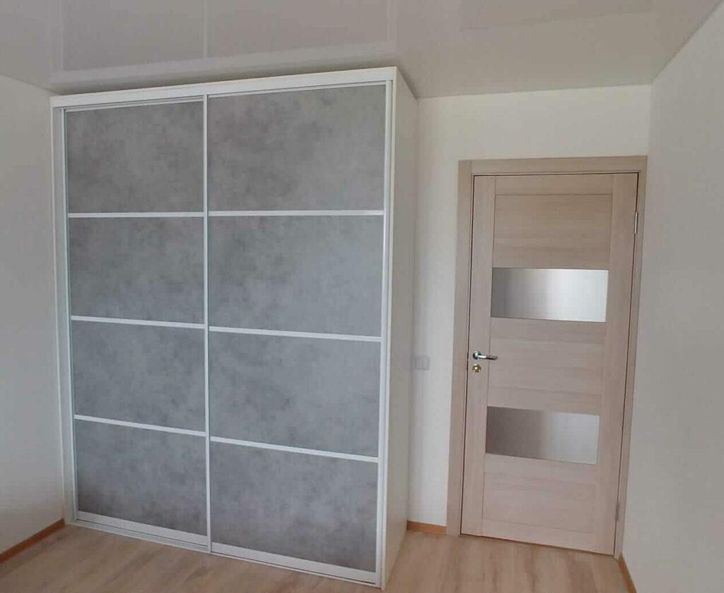 Встроенный шкаф купе белый +бетон